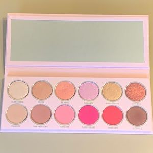 Kylie Cosmetics Valentine Palette 💕